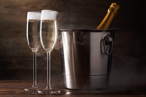 https://newyorkcitybaskets.com/media/holidays/Admin Professionals Day/IMG_Champagne.jpg