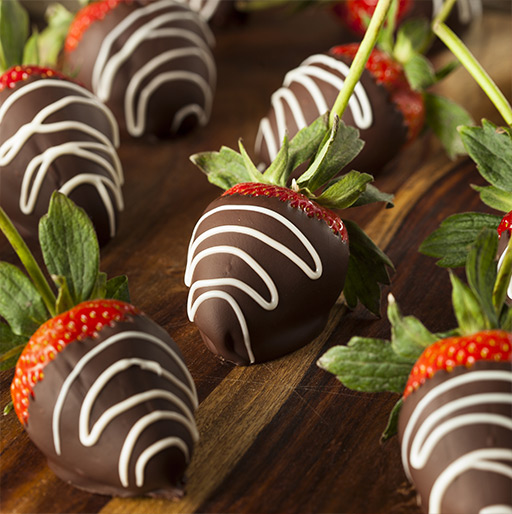 Our Chocolate-Dipped Strawberries Gift Ideas for Mom & Dad